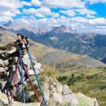 Warto chodzić z kijkami trekkingowymi?